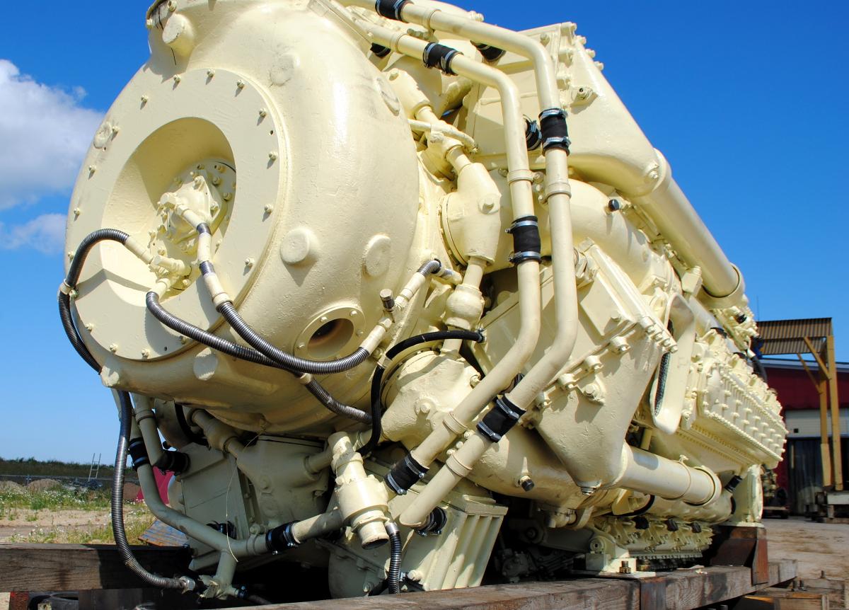 Дизельный двигатель М520